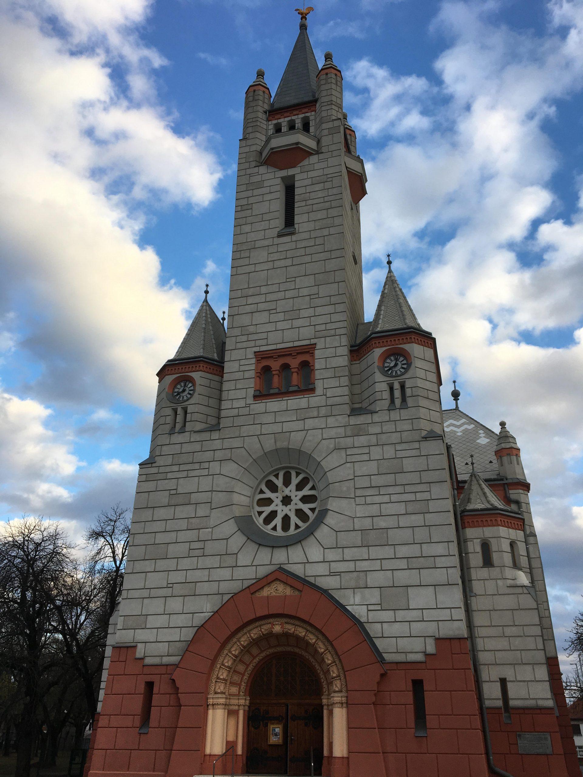 Üres marad a templomunk, de a szívünk nem