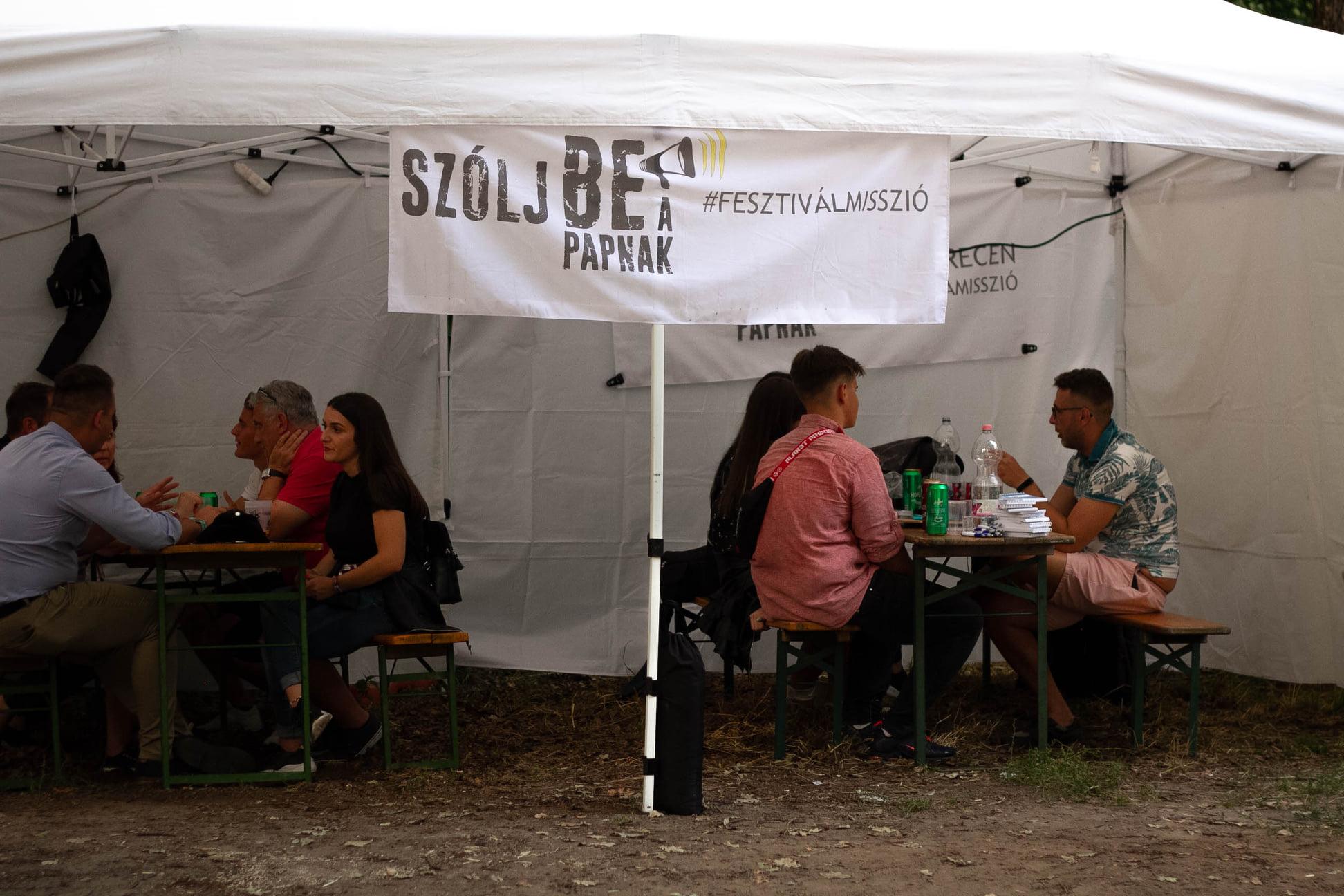 Mélyebb és hosszabb beszélgetések a fesztiválmissziós sátornál